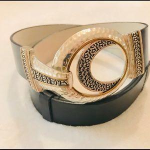 Chico's buckle waist genuine leather belt size M/L